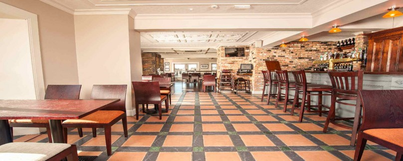 Clancy s bar restaurant clancy 39 s bar and restaurant for Bar food youghal